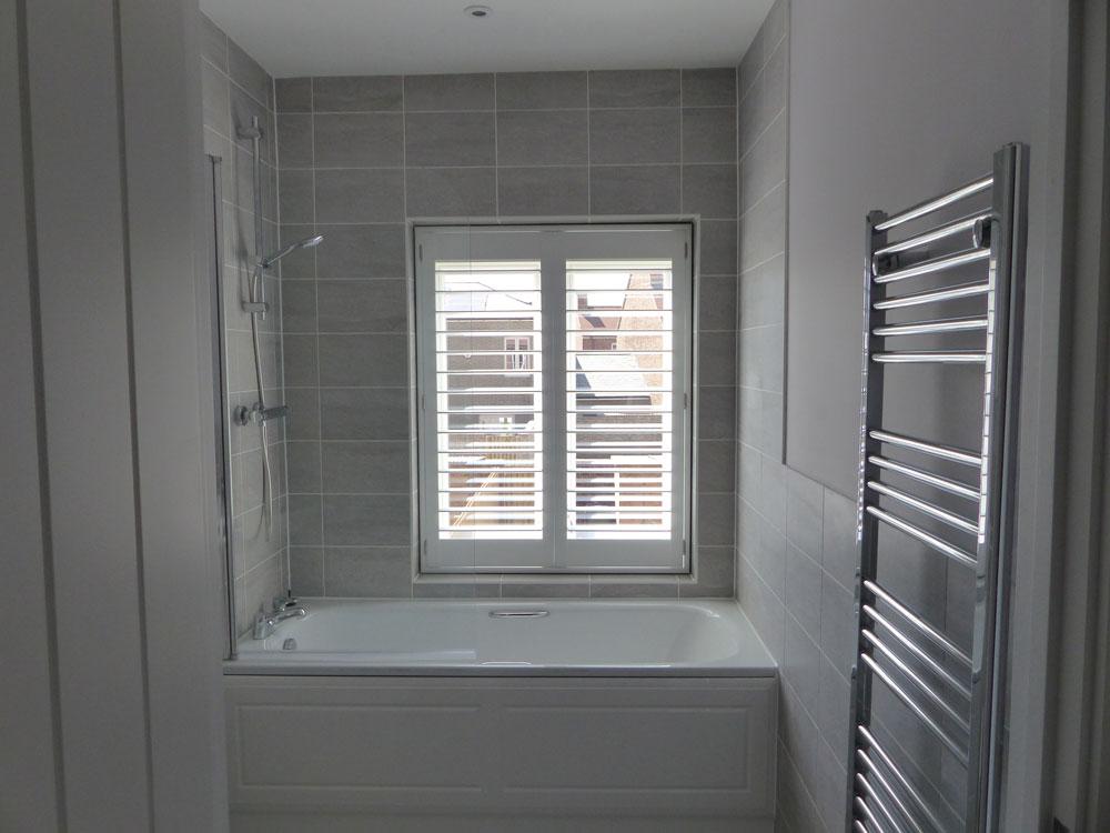 Very Bathroom - Opennshut RO66