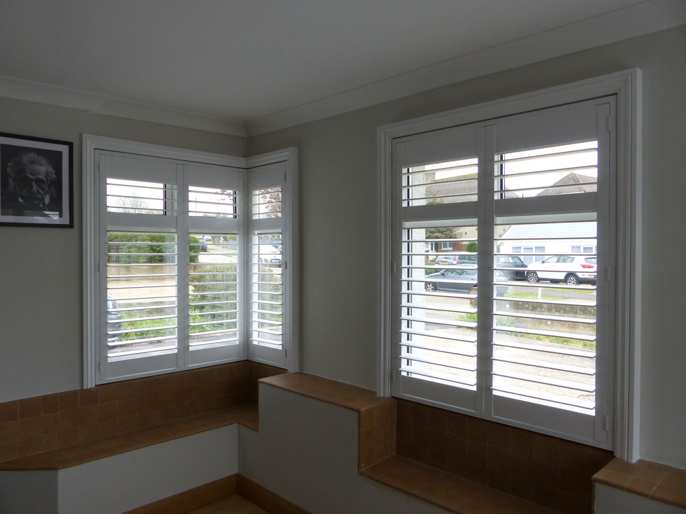 Square Bay Windows Opennshut