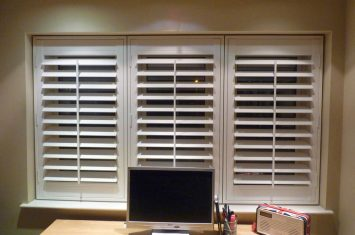 Assembling vinyl shutters