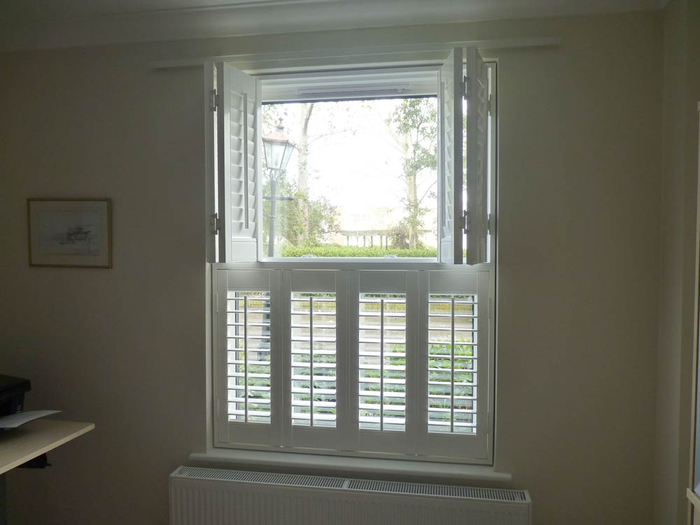 Kitchen top opening shutters in vinyl