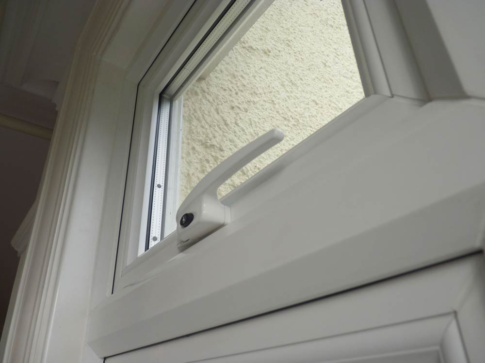 Low profile window handle