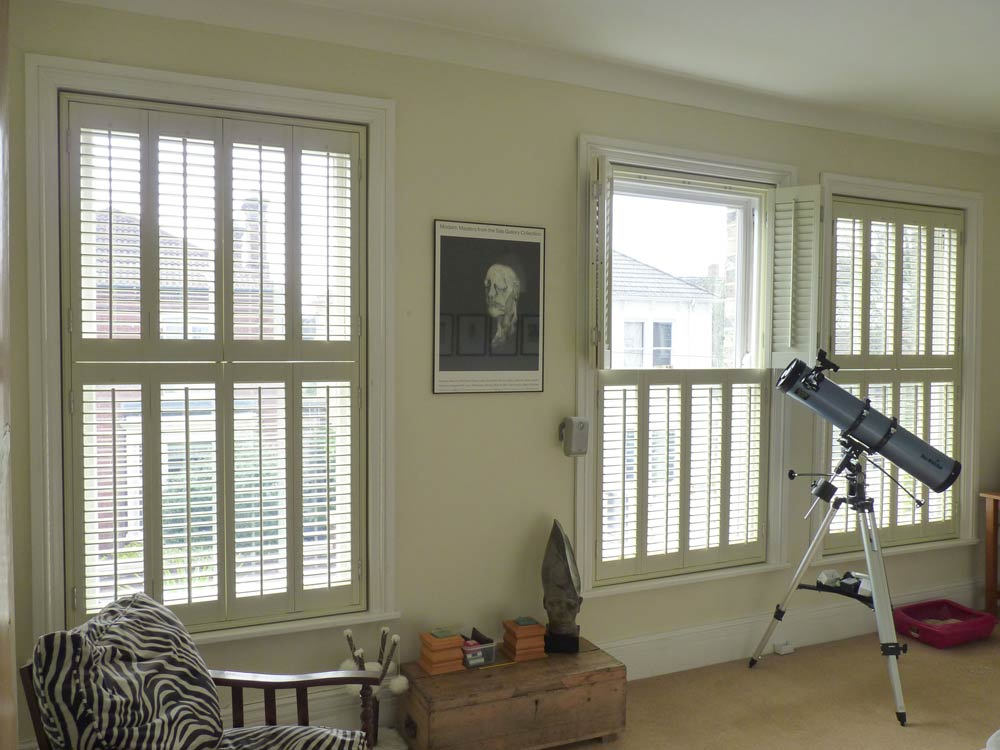 Louver shutters tier on tier design sash windows