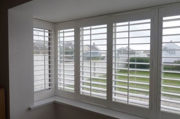 Fit plantation shutters – box bay window