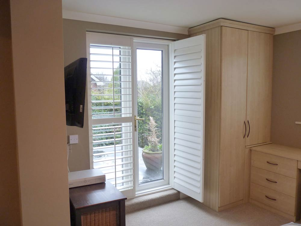 Open door shutter on bedroom patio door