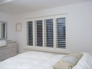 Internal shutters with Tposts