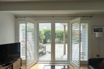 Maximum width shutters can be?