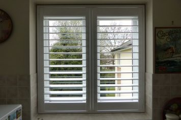 Fitting shutters with Tposts
