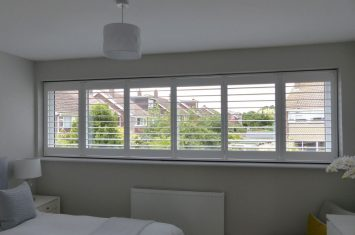 How to install wooden shutters with Tposts